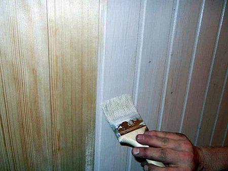 Как обновить деревянную стену