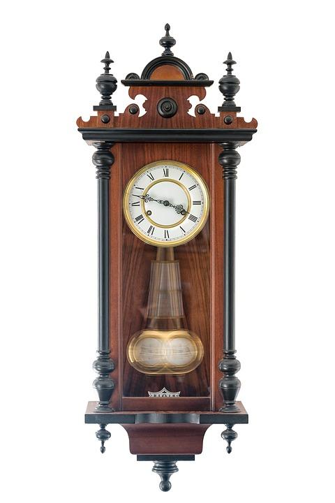 Настенные часы в интернет-магазине – опасная авантюра или выгодная сделка?
