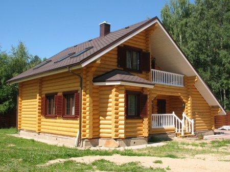 Деревянные дома из оцилиндрованного бревна.