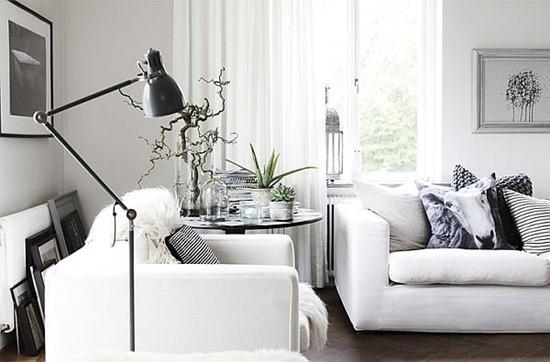 Белый диван в интерьере: практичность и эстетика