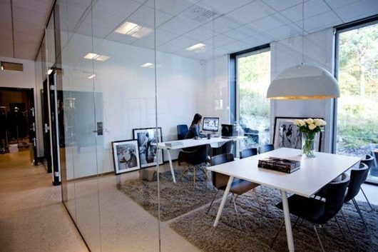Дизайн интерьера комнаты для переговоров