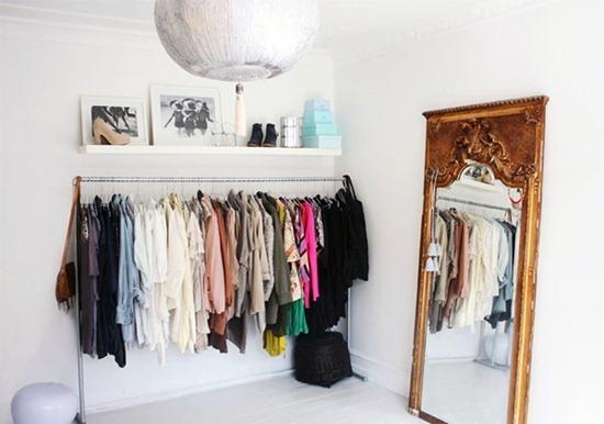 Гардероб без гардеробной: когда вы не можете позволить себе целую комнату