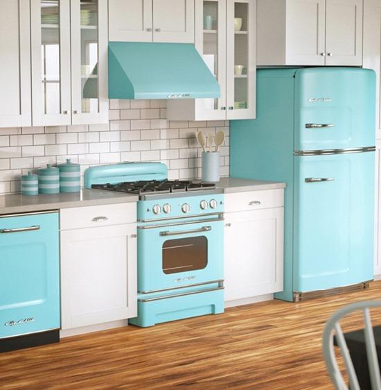 Холодильник в дизайне интерьера кухни: идеи и способы размещения