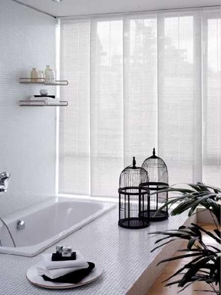 На заметку любителям минимализма: японские шторы в интерьере